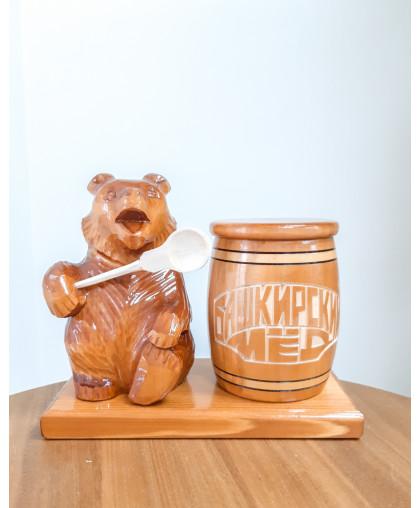 """Сувенирный медведь """"Мишка на пасеке"""" 0,3 кг Бочка"""